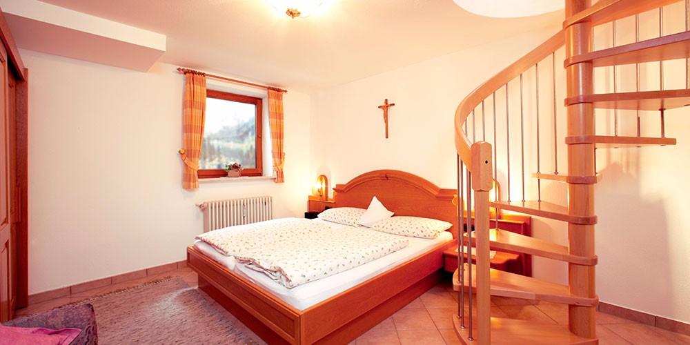 fewo-waxenstein-schlafzimmer