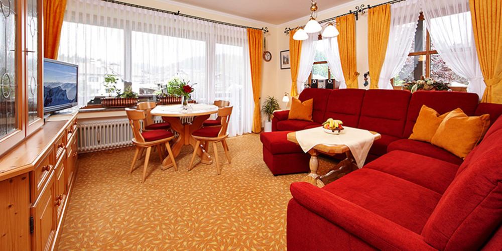 fewo-zugspitze-wohnzimmer